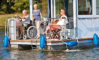 Accessible houseboat